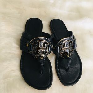 Tory Burch pebbles leather logo sandals GUC